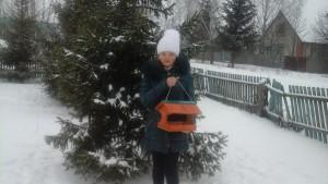 Победитель школьного конкурса по изготовлению кормушек- шестиклассница Горбачева Анастасия